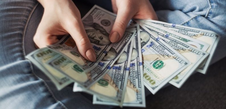 How Can You Make Extra Cash Securely & Comfortably Online?
